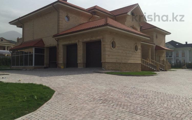 10-комнатный дом, 1040 м², 21 сот., Дулати 123 за 577 млн ₸ в Алматы, Бостандыкский р-н