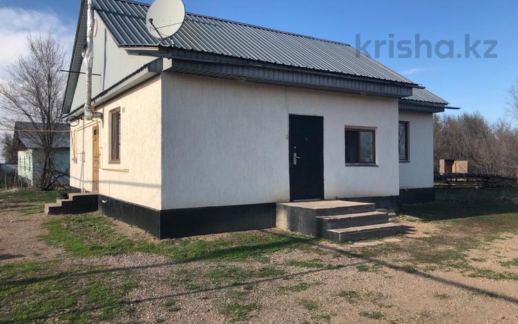3-комнатный дом, 107 м², 10 сот., Баймуратова 1а за 13 млн ₸ в Умбетали