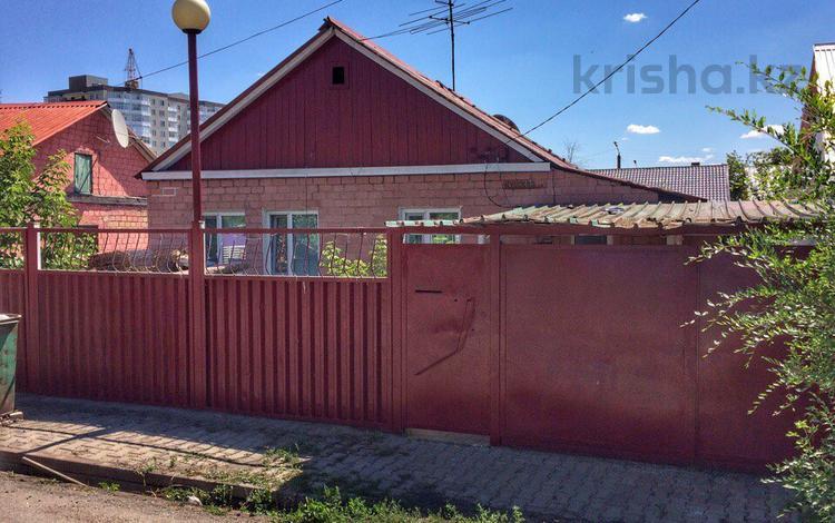 4-комнатный дом, 80 м², 8 сот., Кувская за 16 млн ₸ в Караганде, Казыбек би р-н