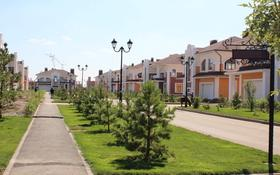 7-комнатный дом, 530 м², 14 сот., 38-я улица за 565 млн ₸ в Нур-Султане (Астана), Есильский р-н