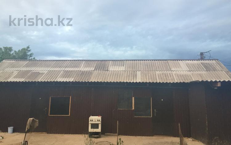 5-комнатный дом, 105 м², 3 сот., Короткая 4 за 8 млн 〒 в Уральске