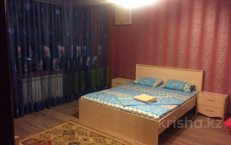 1-комнатная квартира, 40 м², 7/7 этаж посуточно, мкр Самал-1, Самал 1 40 — Сатпаева за 9 000 〒 в Алматы, Медеуский р-н