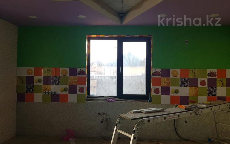 6-комнатный дом, 320 м², 6 сот., Квартал 1 110 — По верхней трассе за 70 млн ₸ в Жанатурмысе