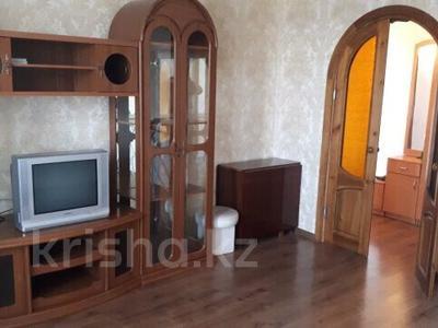 3-комнатная квартира, 62 м², 8/9 этаж, Республики 32 за 15.8 млн 〒 в Караганде, Казыбек би р-н