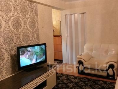 1-комнатная квартира, 34 м², 5/5 этаж посуточно, Жанасемейская — Ауезова за 5 000 〒 в Семее — фото 4