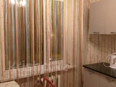 1-комнатная квартира, 34 м², 5/5 этаж посуточно, Жанасемейская — Ауезова за 5 000 〒 в Семее — фото 5