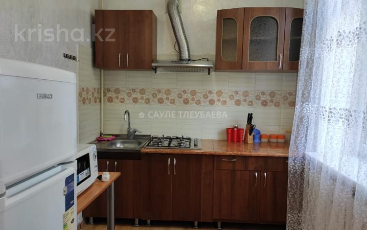 1-комнатная квартира, 42 м², 2/3 этаж помесячно, Толе Би — Желтоксан за 130 000 〒 в Алматы, Алмалинский р-н