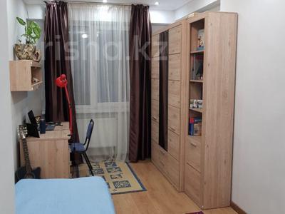 4-комнатная квартира, 100 м², 5/22 этаж, мкр Тастак-2 286 — Толе би за 39 млн 〒 в Алматы, Алмалинский р-н