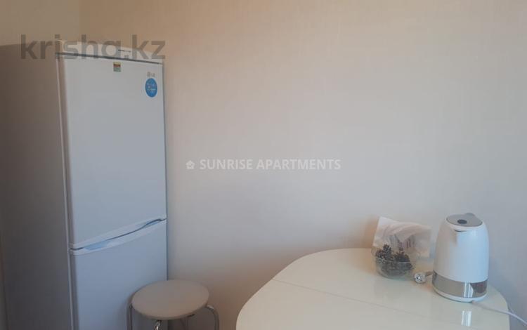 1-комнатная квартира, 45 м², 3/9 эт. посуточно, Строителей 19 за 6 000 ₸ в Караганде, Казыбек би р-н