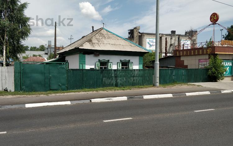 3-комнатный дом, 42 м², 8 сот., Бажова за 5 млн 〒 в Усть-Каменогорске