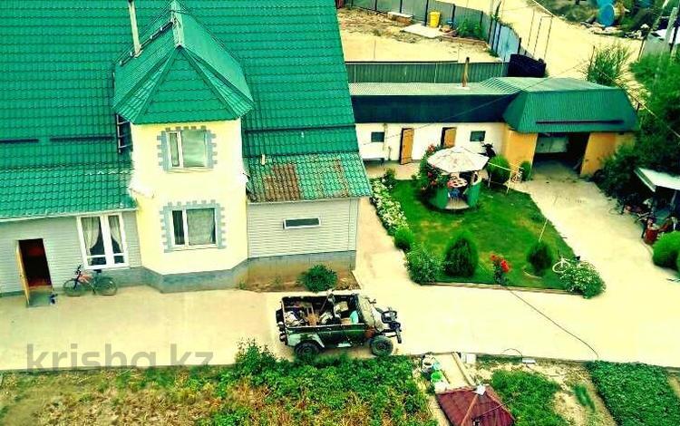 5-комнатный дом, 192 м², 8 сот., мкр Акбулак 57 за 35 млн 〒 в Алматы, Алатауский р-н