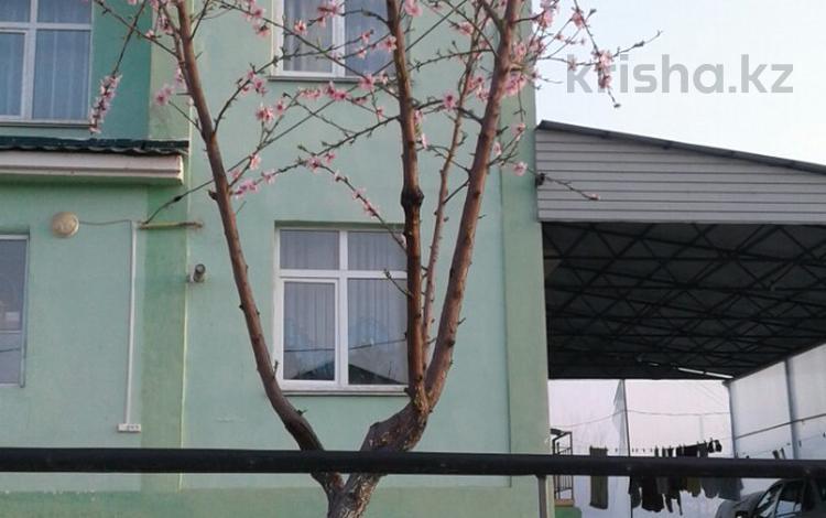 8-комнатный дом, 200 м², 10 сот., Мкр Асар за 35 млн 〒 в Шымкенте, Каратауский р-н