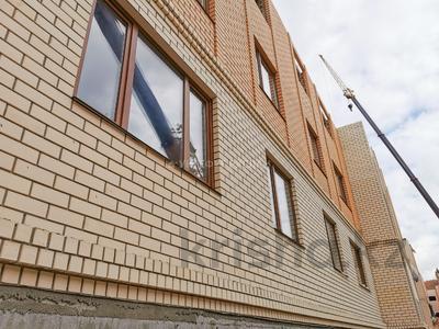 3-комнатная квартира, 76.2 м², 5/5 этаж, Сатыбалдина 4/1 — проспект Строителей за ~ 16.4 млн 〒 в Караганде