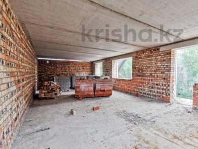 3-комнатная квартира, 76.2 м², 5/5 этаж, Сатыбалдина 4/1 — проспект Строителей за ~ 16.4 млн 〒 в Караганде — фото 12