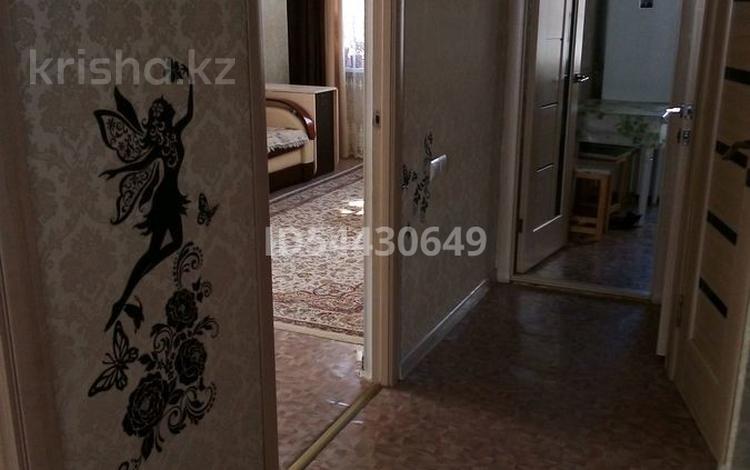 3-комнатная квартира, 62 м², 2/5 этаж, Есет батыра 130 за 10.5 млн 〒 в Актобе, мкр 5