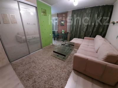 1-комнатная квартира, 32 м², 1 этаж посуточно, Абдирова 50/2 — Назарбаева за 6 000 〒 в Караганде, Казыбек би р-н — фото 2