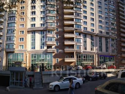 7-комнатная квартира, 290 м², 14/15 эт. помесячно, мкр Самал-2 97 за 1 млн ₸ в Алматы, Медеуский р-н