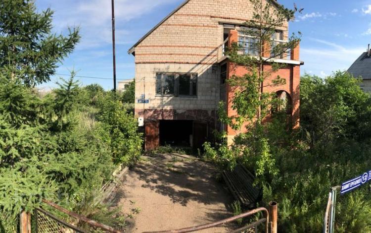 5-комнатный дом, 1500 м², 1500 сот., Хамита Ергалиева 12 — Ауэзова за ~ 13.5 млн ₸ в Кокшетау