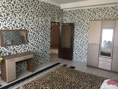 2-комнатная квартира, 80 м², 8/8 эт. помесячно, Шохана Уалиханова 21Б за 200 000 ₸ в Атырау — фото 5