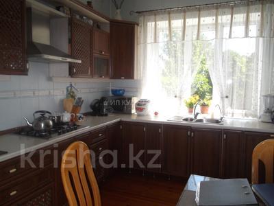 6-комнатный дом, 450 м², 10 сот., Саина — Шаляпина за 130 млн 〒 в Алматы, Ауэзовский р-н