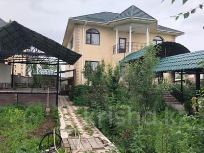 8-комнатный дом, 380 м², 6 сот., Каскелен 13 за 44.9 млн 〒