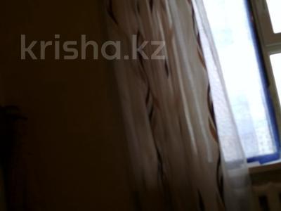 3-комнатная квартира, 64 м², 6/9 эт., ул. Мамраева 41 за 12 млн ₸ в Караганде, Октябрьский р-н — фото 4