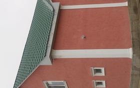 7-комнатный дом помесячно, 294 м², 10 сот., Сарықамыс-2 ықшам ауданы 43 за 280 000 ₸ в Атырау