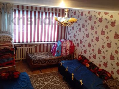 3-комнатная квартира, 62 м², 1/5 этаж, 19-й микрорайон 44 за ~ 10.6 млн 〒 в Караганде, Октябрьский р-н — фото 4
