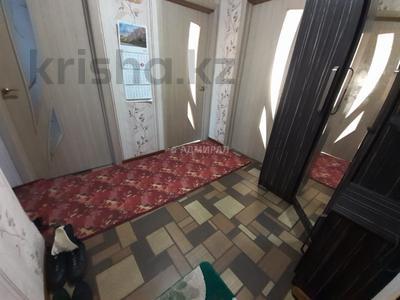 3-комнатная квартира, 62 м², 1/5 этаж, 19-й микрорайон 44 за ~ 10.6 млн 〒 в Караганде, Октябрьский р-н — фото 6