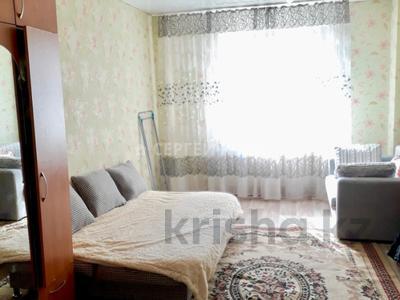 1-комнатная квартира, 45 м², 2/12 эт. посуточно, Кабанбай Батыра 40 за 6 000 ₸ в Нур-Султане (Астана), Есильский р-н — фото 2