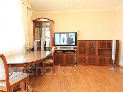 2-комнатная квартира, 65 м², 11/12 этаж посуточно, мкр Самал-2 78 за 12 000 〒 в Алматы, Медеуский р-н — фото 3