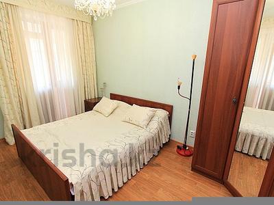 2-комнатная квартира, 65 м², 11/12 этаж посуточно, мкр Самал-2 78 за 12 000 〒 в Алматы, Медеуский р-н