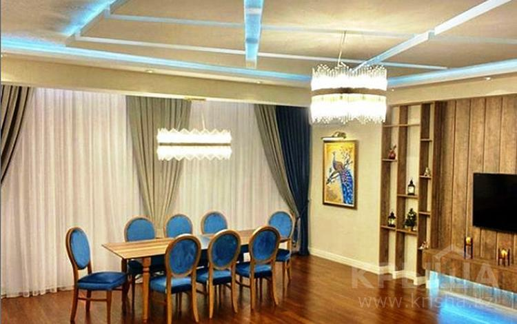 3-комнатная квартира, 120 м², 5 этаж помесячно, Мәңгілік Ел 29 за 300 000 〒 в Нур-Султане (Астана), Есиль р-н