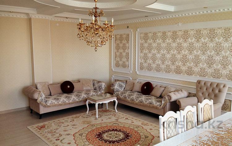 2-комнатная квартира, 90 м², 4/5 эт., проспект Санкибай Батыра 48А за 24 млн ₸ в Актобе, мкр. Батыс-2