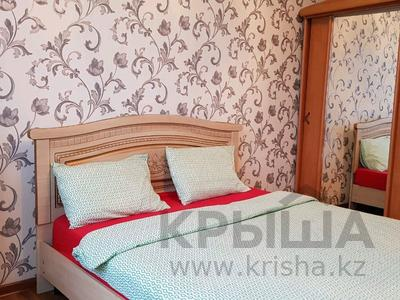 1-комнатная квартира, 50 м², 3/5 эт. посуточно, Нурсая 28 — Пр. Бейбарса за 7 500 ₸ в Атырау