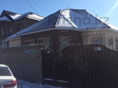 6-комнатный дом, 205 м², 8 сот., Саяхат 44 — Байтерековой за 40 млн ₸ в Шымкенте, Каратауский р-н