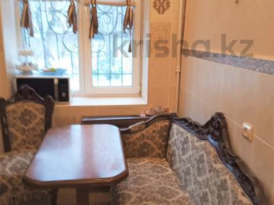 2-комнатная квартира, 50 м², 1/3 этаж помесячно, проспект Достык 16 — Толе Би за 150 000 〒 в Алматы, Медеуский р-н — фото 3