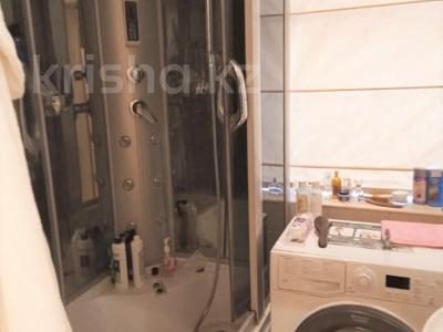 2-комнатная квартира, 50 м², 1/3 этаж помесячно, проспект Достык 16 — Толе Би за 150 000 〒 в Алматы, Медеуский р-н — фото 9