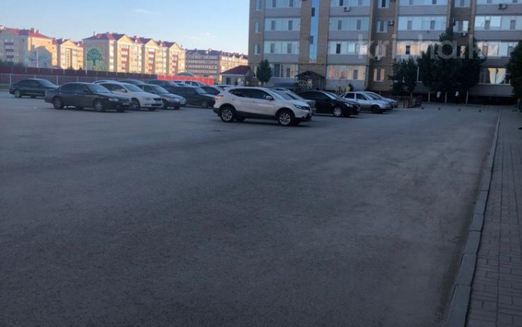 2-комнатная квартира, 80.5 м², 1/6 этаж, Санкибай батыра 36Б к3 за 14 млн 〒 в Актобе, мкр. Батыс-2