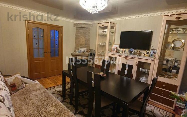 4-комнатная квартира, 85 м², 2/6 этаж, Джамбульская улица 3 — Назарбаева амангельды за 18.7 млн 〒 в Павлодаре