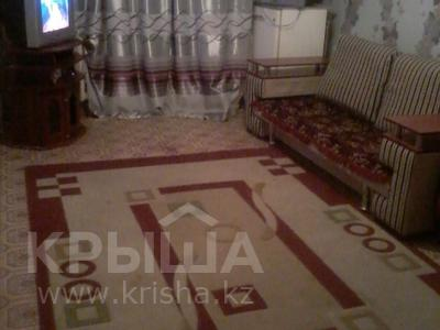 3-комнатная квартира, 60 м², 2/5 этаж, Кремлевская за 8.8 млн 〒 в Шымкенте, Абайский р-н