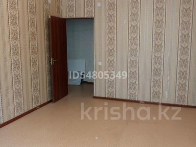 1-комнатная квартира, 42 м², 2/9 этаж, Тулеметова 69/16 за 10.6 млн 〒 в Шымкенте, Каратауский р-н