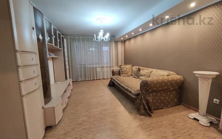 4-комнатная квартира, 96 м², 4/5 этаж помесячно, Желтоксан 166 — Курмангазы за 320 000 〒 в Алматы, Алмалинский р-н