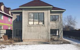 8-комнатный дом, 300 м², 8 сот., мкр Кайрат за 36 млн 〒 в Алматы, Турксибский р-н