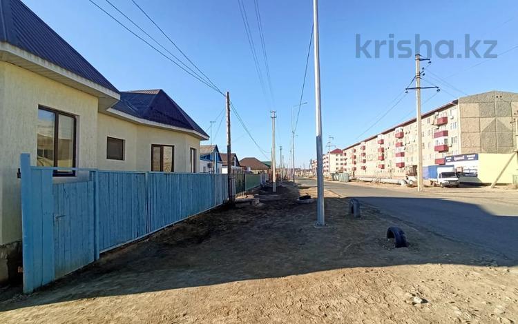 5-комнатный дом, 124 м², 6 сот., пгт Балыкши, Тупатолла Калмуханова 57 за 24 млн 〒 в Атырау, пгт Балыкши