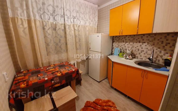 2-комнатная квартира, 43 м², 1/5 этаж по часам, Глинки за 1 000 〒 в Семее