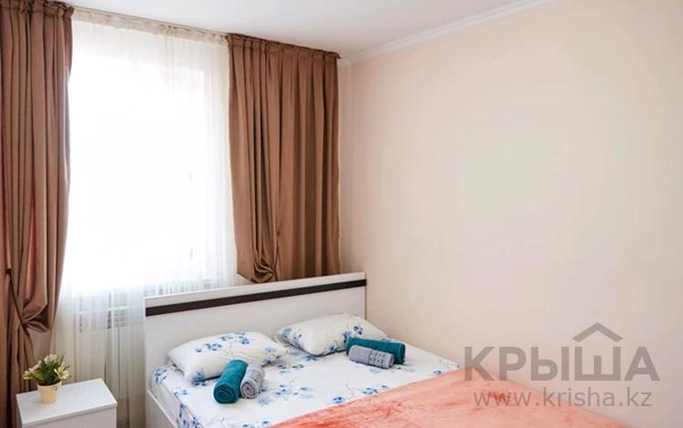1-комнатная квартира, 30 м², 1/3 этаж посуточно, мкр Акбулак, улица Сарытогай 19 за 8 999 〒 в Алматы, Алатауский р-н