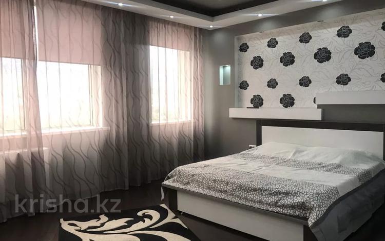 2-комнатная квартира, 90 м², 19/30 этаж посуточно, проспект Аль-Фараби 7к5а — Козыбаева за 20 000 〒 в Алматы, Бостандыкский р-н