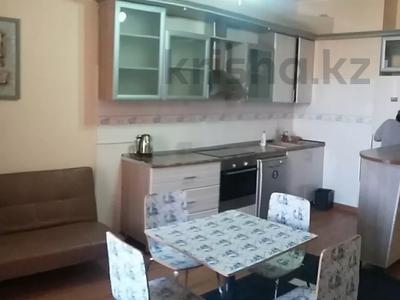 3-комнатная квартира, 120 м², 8/10 этаж посуточно, 17-й мкр 7 за 17 500 〒 в Актау, 17-й мкр — фото 2