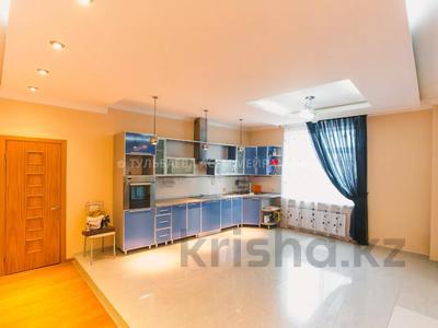 5-комнатная квартира, 200 м², 3/10 этаж, Кунаева 34 — Акмешит за 62 млн 〒 в Нур-Султане (Астана), Есиль р-н — фото 8